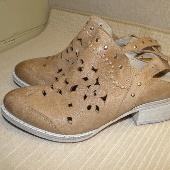bcbfb2e2cf6fb Naughty Monkey Shoes | Ms Kali Mules Creme | Poshmark